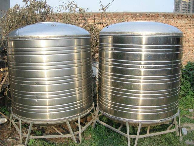 优质不锈钢储水罐