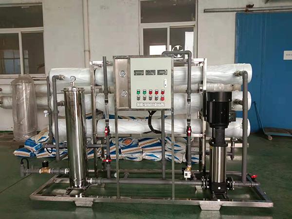 小型纯净水设备在各行业中的使用情况