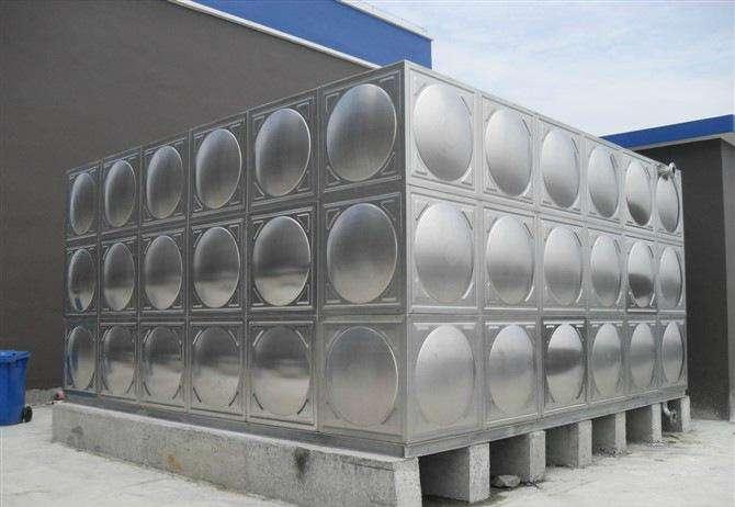 不锈钢水箱有圆形保温水箱和组合式保温水箱之分