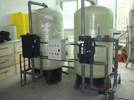 软化水设备的工序非常接近,由于实际工艺的不同或控制的需要