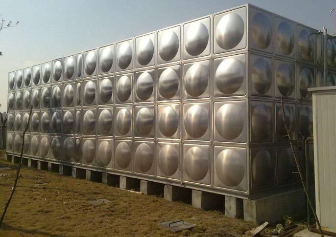 不锈钢水箱是当下流行的新一代水箱的产品