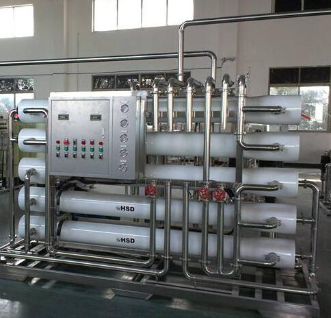 反渗透设备采用了自动供水和断水的智能化控制