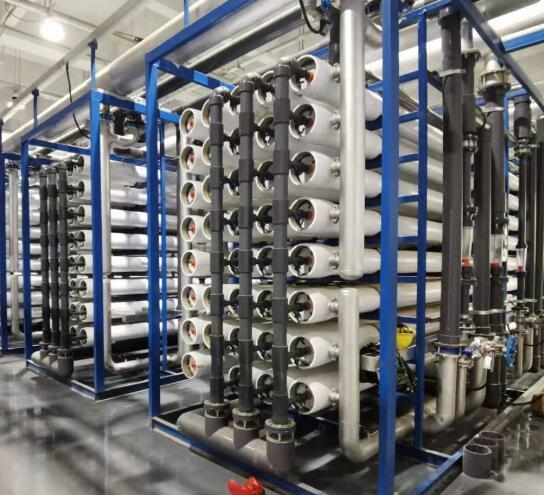 超纯水设备中使用的软化水系统主要作用是去除原水中的钙镁离子