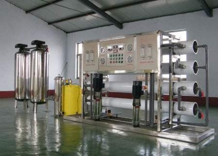 反渗透设备的长期使用会导致反渗透膜的表面产生一层水垢,从而影响反渗透膜的过滤性能